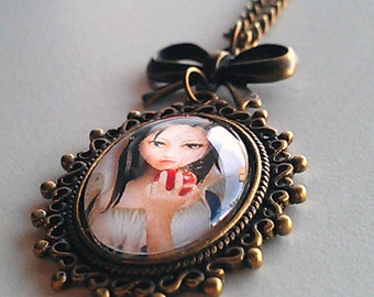 Biancaneve (Snow White) - Necklace