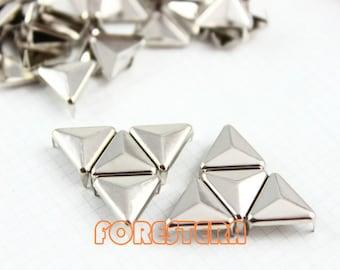 400Pcs 12mm Silver Triangle Studs Metal Studs (ST12)