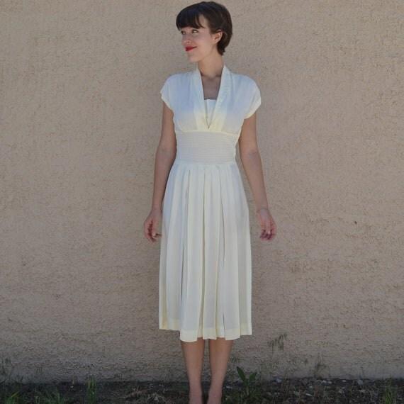 Stunning 1940's Ivory Custom Vintage Wedding Dress - Small/Medium