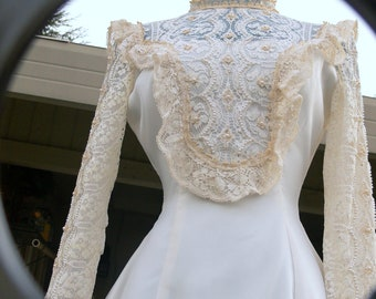 White and cream wedding dress wi th pearl size union label
