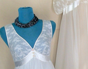 white Chiffon  night gown and Robe size small