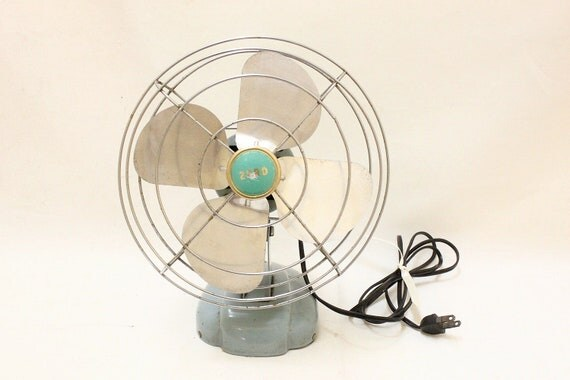 Vintage Zero Light Blue Table Top Electric  Fan / Model No. 08499