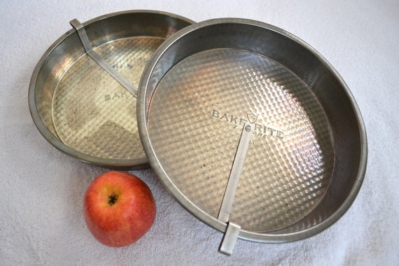 Vintage Baking Dish Cake Pan Pie Tin Metal Cooking Bowl