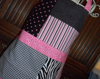 APRON...Gorgeous Black and Hot Pink Patchwork...REVERSIBLE...Ready to Wear...Ladies...Polka Dot...Stripes...Zebra