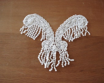 Venice Lace Embroidery Fringed Appliqué Center Piece V-Neck In Off White Color.