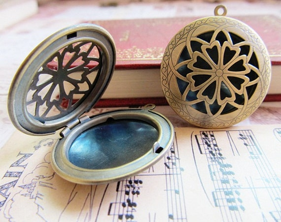 2 pcs Antique Brass Lockets Vintage style B454