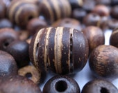 Natures Trail - Wooden bead mix, different sizes, colours and textures - Over 130 beads