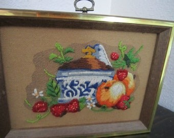 Crewel Embroidery fruit in a bowl picture blue and white with strawberries