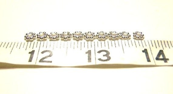 100 Silver Plated, Daisy Spacer Beads, 6mm
