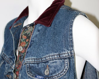 Vintage Early '90s Cropped LEE Denim Vest W/ Velvet Collar and Floral Accent Size Medium