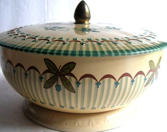 Vintage Tin Bowl with Lid, Made in England, Tea Time, Tea Party, Garden Party. FREE SHIPPING