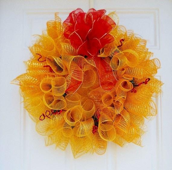 Gold Spiral Mesh Christmas Wreath W/Bow