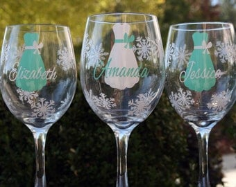 5 Bride and Bridesmaids Wine Glasses for a Winter Wedding, Featuring Snowflakes