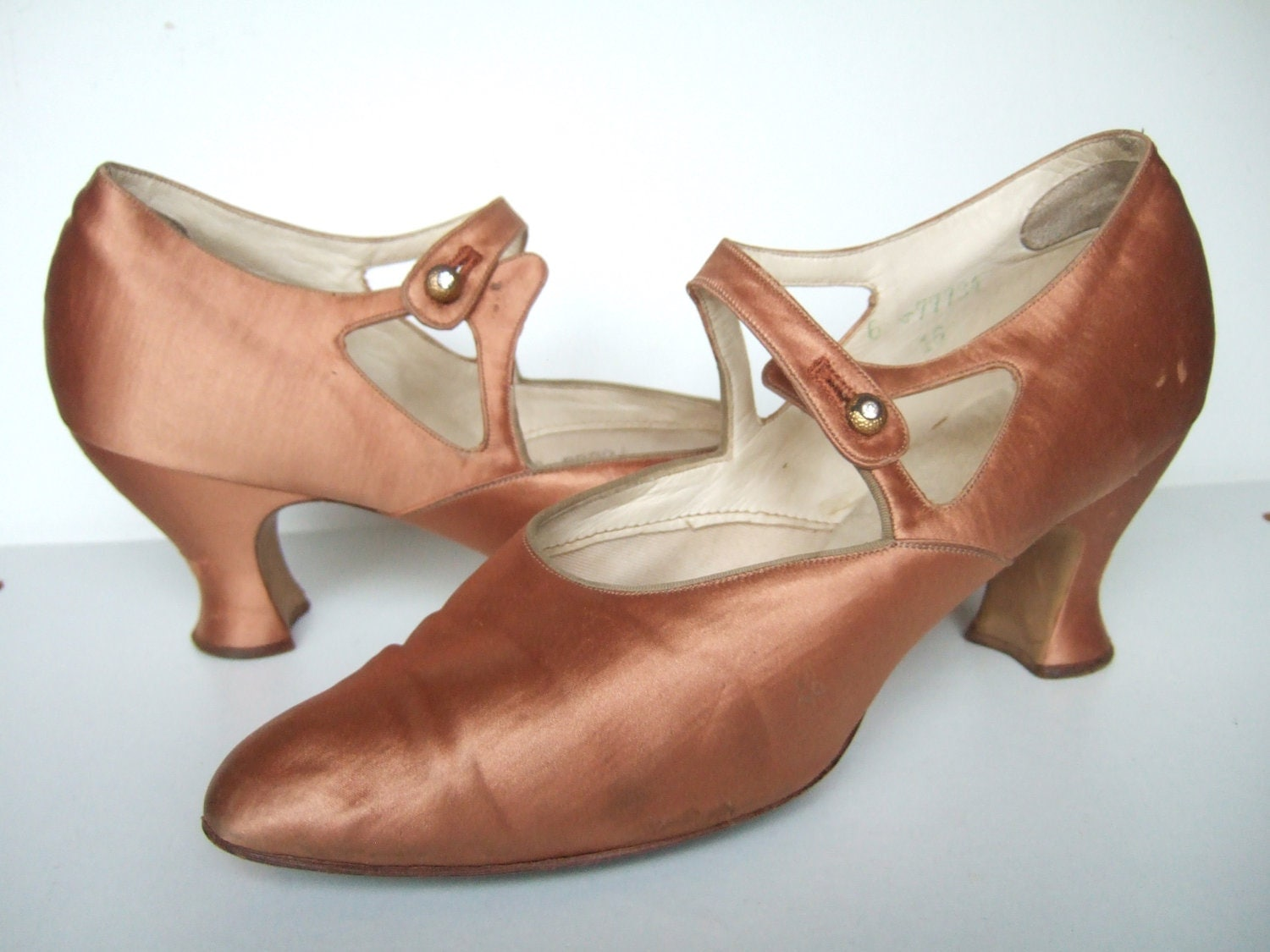 Vintage 1920s Shoes 20s Cinnamon Silk Mary Janes Flapper