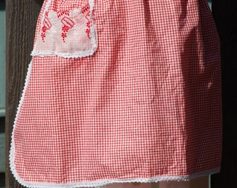 Sweet Red & White Gingham Half Apron - Ribbon and Lace, Eyelet