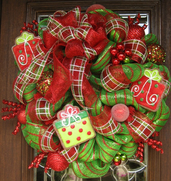 Deco Mesh Whimsical Bow And Presents Christmas Wreath
