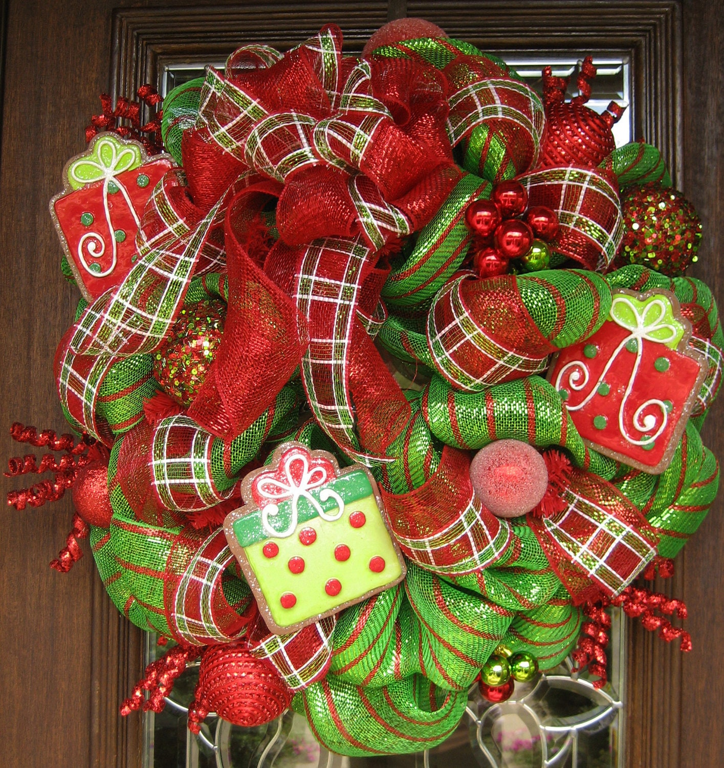 Deco mesh whimsical bow and presents christmas wreath Christmas wreath decorations