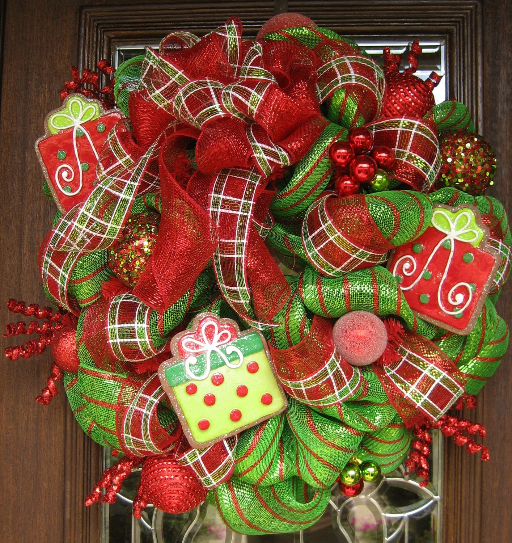 Deco Mesh Christmas Tree Wreath: Deco Mesh WHIMSICAL BOW And PRESENTS Christmas Wreath