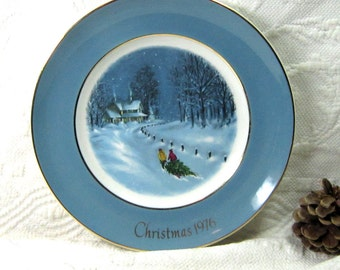 Vintage Christmas Plates Avon Collectable  Decor Serving 1970's NOS Boxed Wedgwood England China Display Gift under 25