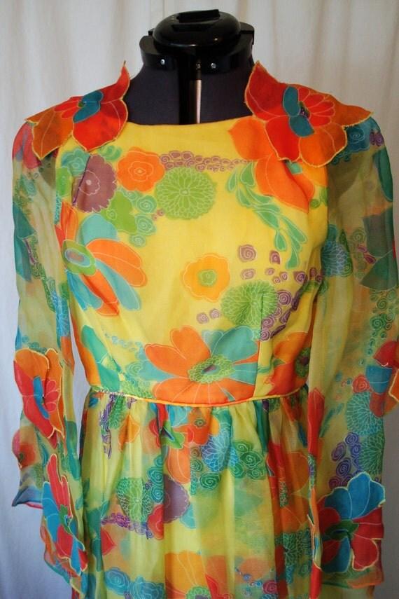 Vintage 1960s Mod Dress // Bold Print // Flower Power // Silk Dress // Bust 30