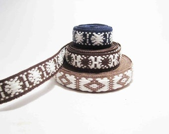 Beautiful  VINTAGE RIBBON  from Russia, use it for fashion creations, art projects, home decor...