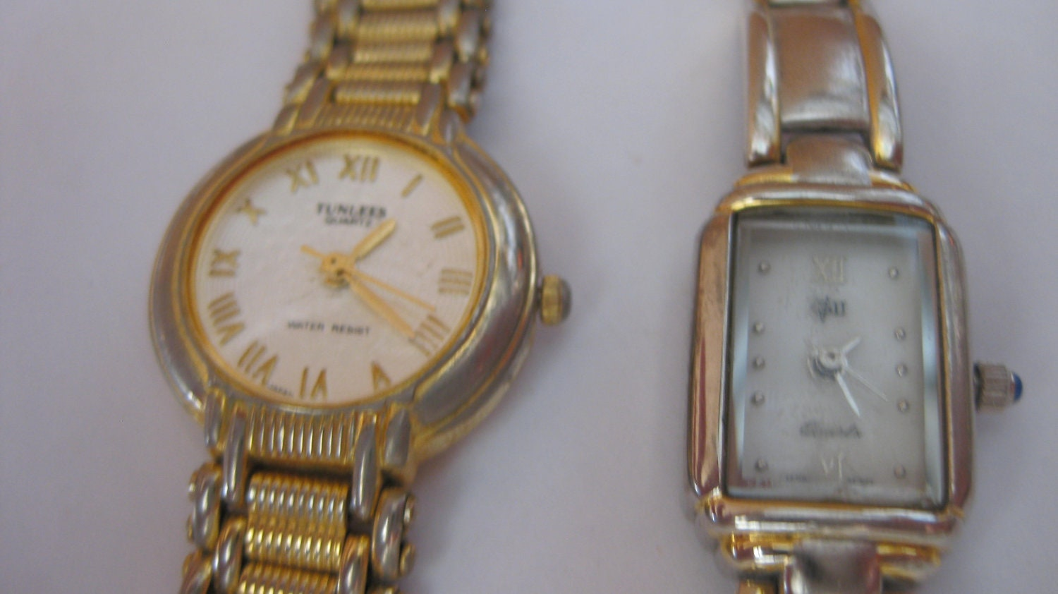 2 lot women vintage watches tunlees vg 2 quartz japan movt on for Celebrity quartz watch japan movt