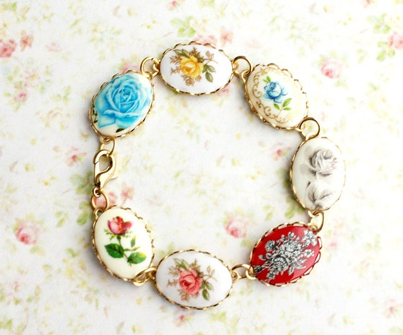 Vintage Rose Cameo Bracelet. Bohemian. Nostalgic. Whimsical. Autumn. Fall. Boho Chic. Fashion. Romance. Bridesmaids Bracelet. Cameo Jewelry