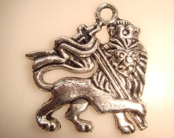 20 Silver Plate Rasta David Israel Lions With Banner Cross Charms