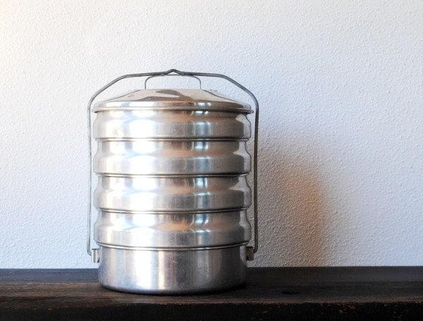 Vintage Aluminum Pan 5 Tier Food Carrier Baking Warming