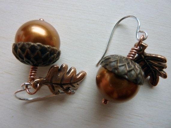 Acorn Earrings - Adorable Autumn Acorn Jewelry by Weirdly Cute