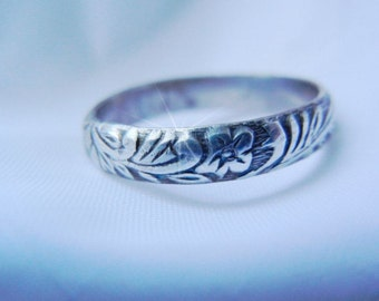 Sterling Ring with Floral Pattern, Womans Patterned Ring, Floral Pattern, Stacker Ring, Thumb Ring, Pinky Ring