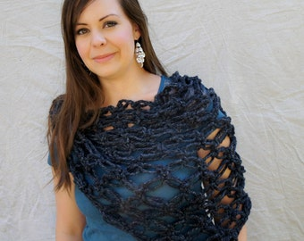 Chunky triangle scarf/Chunky Shawl, neckwarmer/ The Durham Scarf-charcoal