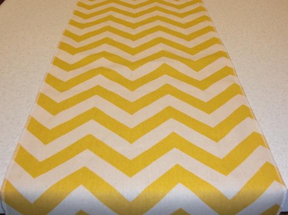 Articles similaires chemin de table jaune chevron sur etsy - Chemin de table chevron ...