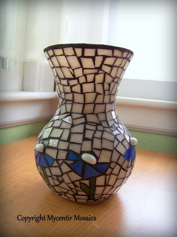 Periwinkle Vase (Stained Glass)