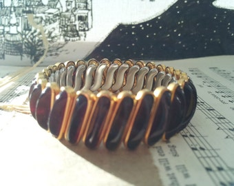 Vintage 40s to 50s Sweetheart Expansion Carmelita Bracelet