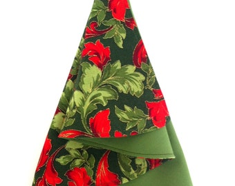 Christmas Tree Folded Napkins, Fabric Red & Green Acanthus, Dinner Napkin, Christmas Tree Fold, Set of 4