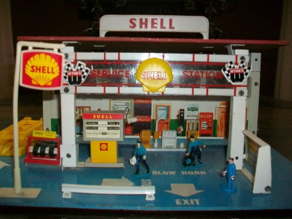 Reserved For Janine Vintage Shell Service Station Playset 1969