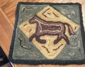 Hand hooked woolen primitive rug, wall hanging, or table topper