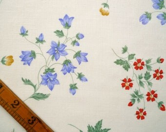 Vintage Fabric Piece, Floral Print, Sewing Supplies
