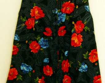 Women floral above the knee button up front skirt with pockets