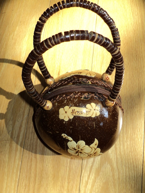 Vintage Hawaiin  Style Purse Made from a Coconut Shell , with Wooden Hawaiin Appliques in Mint Condition