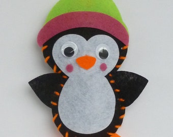 Instant Download Penguin bean bag sewing pattern. Kids craft. Size 12cm. Toy, christmas decoration. Penguin template, chart.