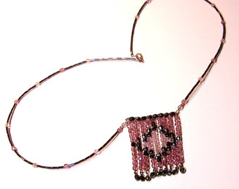 1920s FLAPPER STYLE NECKLACE - Long Facetted Crystal Necklace with Geometric Pattern