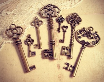 8 Pcs Skeleton ANTIQUE BRONZE Key Charm Victorian Key Charm Old Fashioned Key Charm Vintage Style Pendant Charm Jewelry Supplies (B)