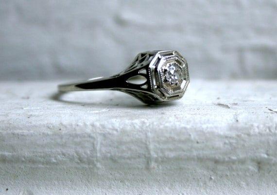 Pretty Vintage 18K White Gold Diamond Filigree Engagement Ring