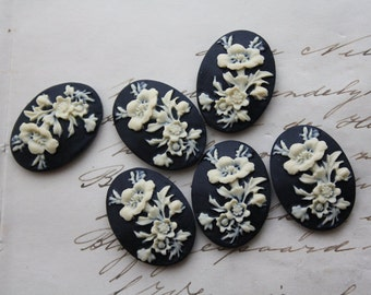 6 unset rose cameos - White on Black - 25x18mm