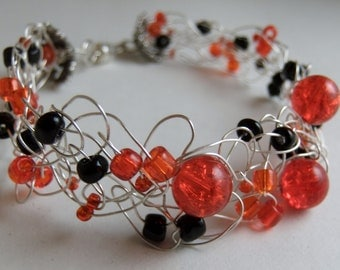 Black and Red Beaded Wire Crochet Bracelet