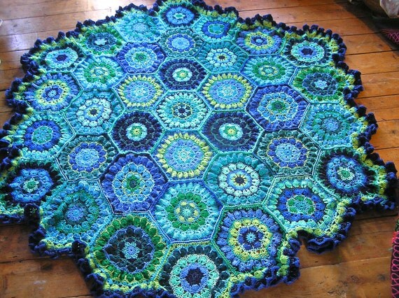 Crochet Flower Blanket : crochet flower blanket / throw