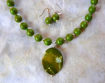 20 Inch Apple Green Howlite Necklace with Green Fire Agate Pendant and Earrings