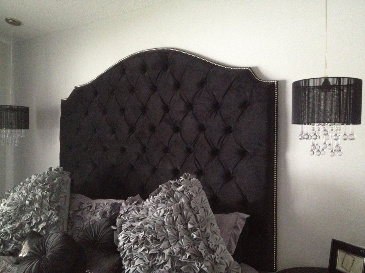 black velvet diamond tufted elongated cavendish shape. Black Bedroom Furniture Sets. Home Design Ideas